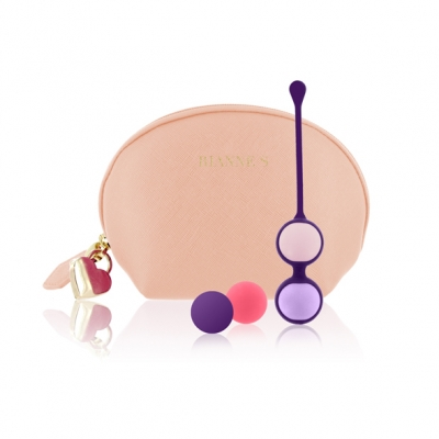 RS   Essentials   Pussy Playballs Nude